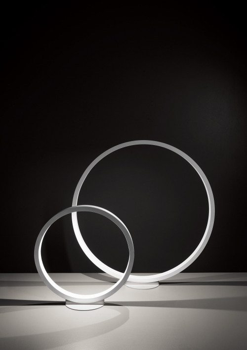Cini & Nils Assolo 70 floor lamp white (at the right)