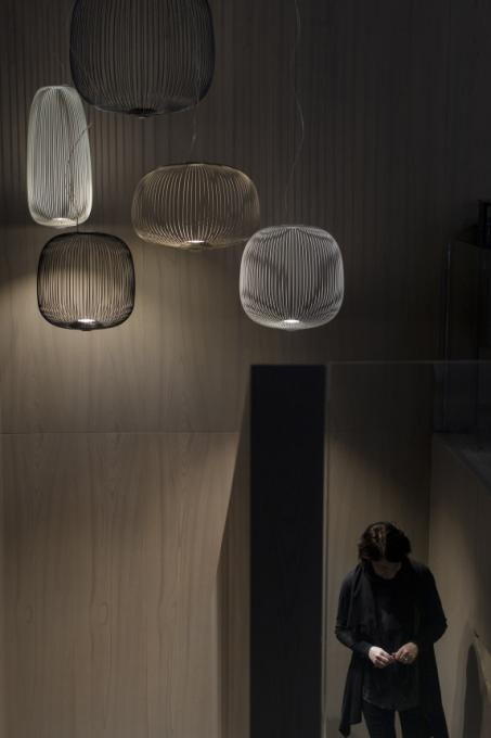 Foscarini Spokes 1 MyLight white (at the left)