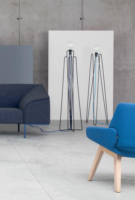 Grupa Model 2 black, cable colour dark blue (at the right)