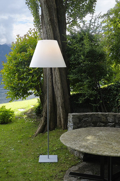 Luceplan Grande Costanza Open Air shade off white, frame and base alu