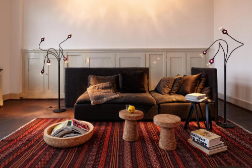 Serien Lighting Poppy Floor 5 and 3 arms beige,shades black violet,base cream lacquered