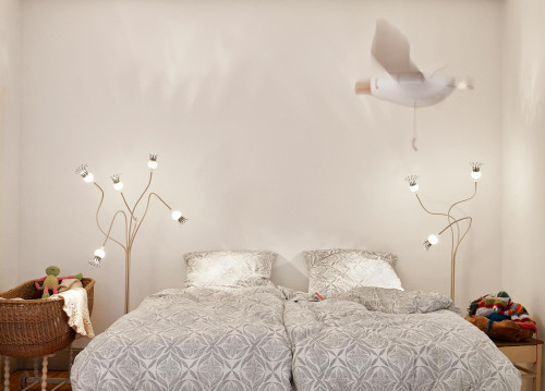 Serien Lighting Poppy Floor 5 and 3 arms beige arms, shades ceramic