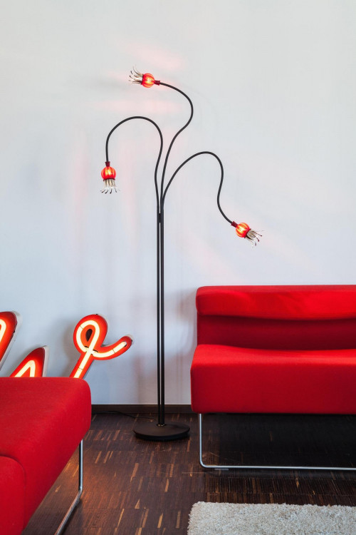 Serien Lighting Poppy Floor 3 arms black arms, shades ruby and steel black base